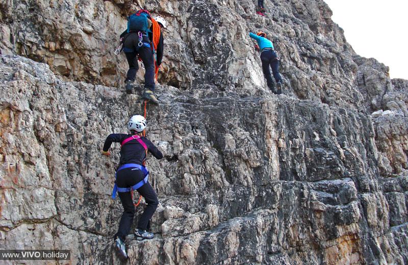 Klettersteig Drei Zinnen : Klettertour große zinne vivohochpustertal